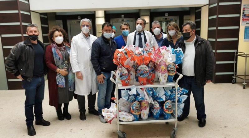Uova di Pasqua ai bambini di Oncologia Garibaldi-Nesima
