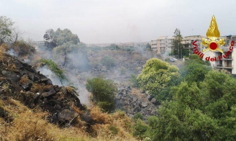 Incendio al viale Mario Rapisardi